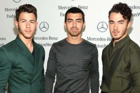Jonas Brothers Sign Book Deal With Macmillan