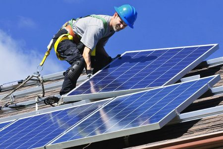 New Survey Reveals 70% of Americans Support Nationwide Solar Panel Mandate on New Homes