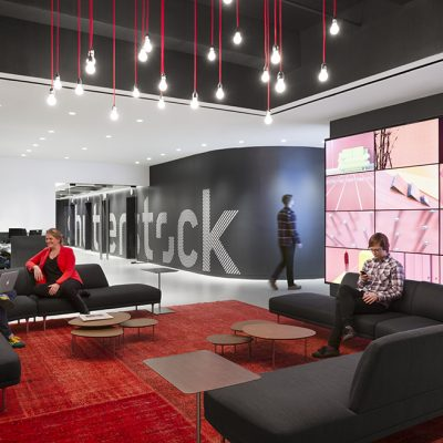 Shutterstock and AP Renew Multiyear Distribution Deal