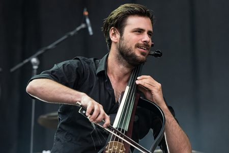 """Acclaimed Cellist Stjepan Hauser Debuts New Album """"Classic"""" and Video """"Air on a G String"""""""