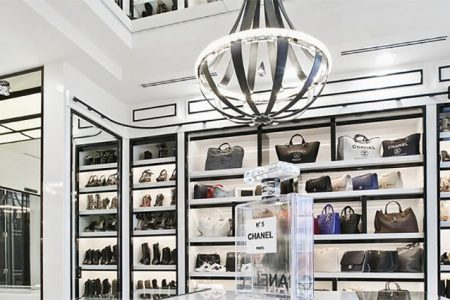 Luxe Hangers Launches the First Luxury Home Organization Company