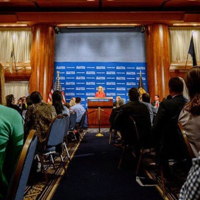 U.S. Journalists Laud Lawmakers' Efforts for Press Freedom