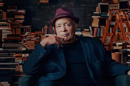 Acclaimed Author Walter Mosley to Teach Fiction and Storytelling