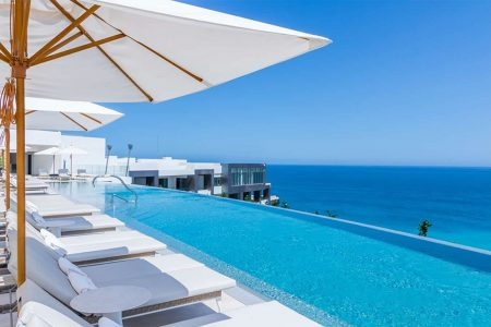 """Avery Gilmer's """"AV Property Management"""" Business Teases Exotic Real Estate Market in Cancun & Cabo, Mexico"""