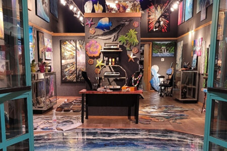 Maui Art Gallery Hosts World's First 4 Phase Paintings