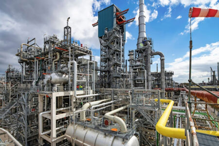 Touted as Clean, 'Blue' Hydrogen May Be Worse Than Gas, Coal