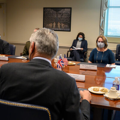 Deputy Defense Secretary, U.K. Counterpart Discuss Defense, Security Priorities